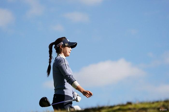 ティショット後フェアウェイに向かう 2020年 伊藤園レディスゴルフトーナメント 最終日 キム・ハヌル