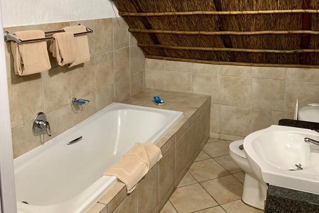 2020年 アルフレッド・ダンヒル選手権 事前 南アフリカのコテージ バスルームは意外と普通そうで…