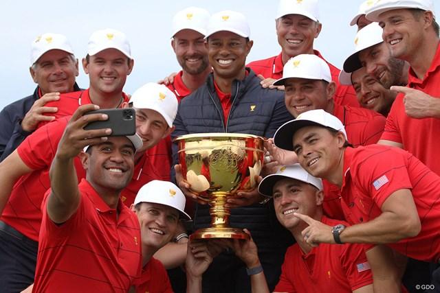 2020年 プレジデンツカップ 最終日 タイガー・ウッズと米国選抜 最終日に逆転勝利を決めた米国選抜チーム