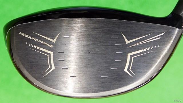 スリクソン ZX5 ドライバーを西川みさとが試打「力感なくても打てる」 「リバウンドフレーム」の文字が入ったフェース面