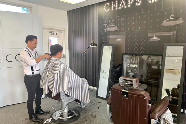 川村昌弘 ドバイで欧州ツアーのヘアカットサービスを受けてみた