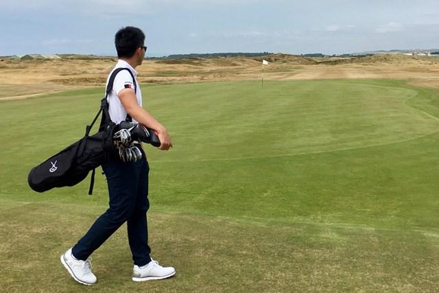 川村昌弘 プレストウィックで買ったキャディバッグでゴルフ