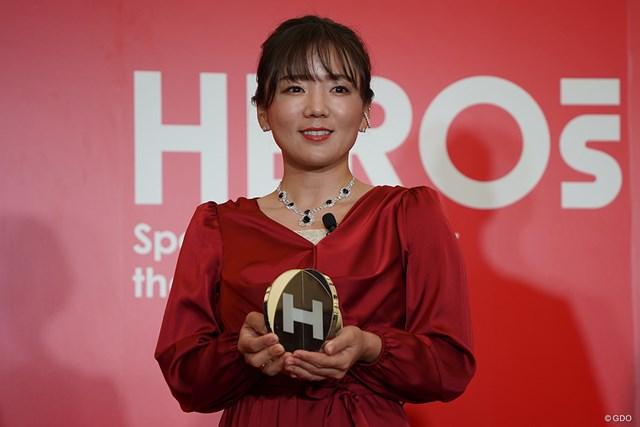 2020年 HEROs AWARD 有村智恵 赤いドレスに身を包んだ有村智恵