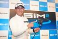 石坂友宏は「SIM2」シリーズをPRした(提供:テーラーメイドゴルフ)