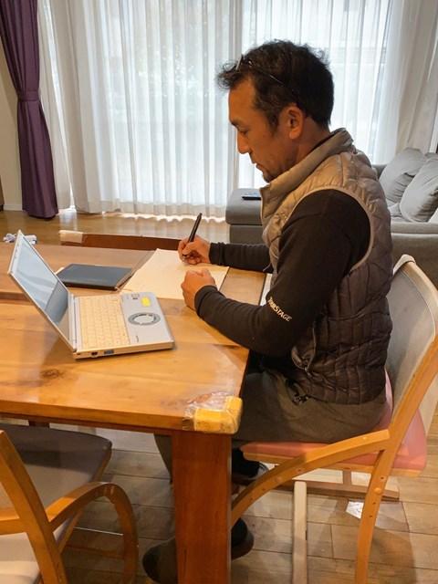 森本真祐代表 ルール勉強会を受講する森本代表(提供:日本プロキャディ協会)