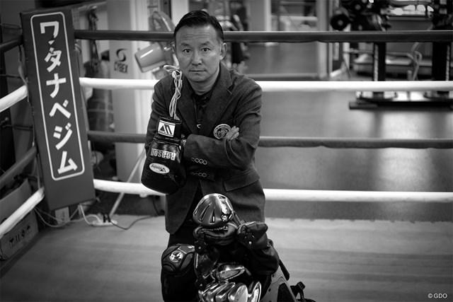 神藤太志 ボクシングジムにキャディバックと異色の光景