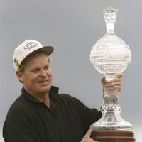 """すでに""""セミリタイア""""状態だった46歳の優勝。ジョニー・ミラー本人もビックリだったという(Gary Newkirk/Allsport) 1994年 AT&Tペブルビーチプロアマ 最終日 ジョニー・ミラー"""