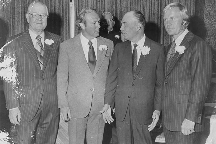 1973年2月に撮影された、左からバイロン・ネルソン、アーノルド・パーマー、ベン・ホーガン、ジャック・ニクラスの4ショット(Vernon Shibla/New York Post Archives (c) NYP Holdings, Inc. via Getty Images) バイロン・ネルソン アーノルド・パーマー ベン・ホーガン ジャック・ニクラス
