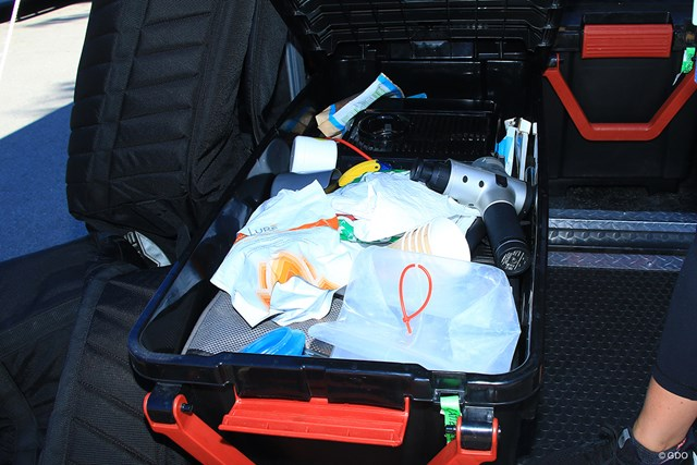 2021年 ジェネシス招待 4日目 ハルク 荷物箱の中を」特別に公開!いろんなものを運んでもらっているようだ