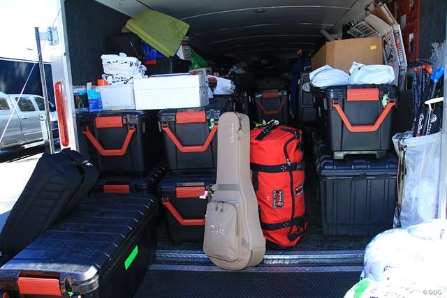 2021年 ジェネシス招待 4日目 ハルク ギターを預ける選手もいる。飛行機に持ち込むには少々苦労する手荷物だが、ハルクなら確実に運んでくれる