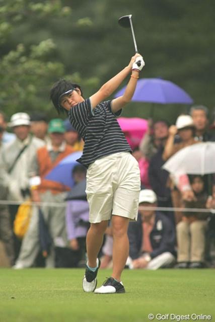 2004年 ニチレイカップワールドレディスゴルフトーナメント 最終日 諸見里しのぶ アマチュア時代からプロツアーで活躍した諸見里しのぶ※写真は2004年「ニチレイカップワールドレディス」