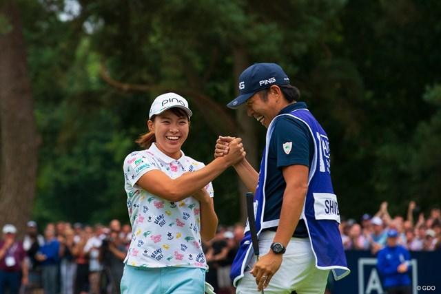 渋野日向子は青木翔コーチからの「卒業」を明かした。写真は優勝した2019年「全英女子」