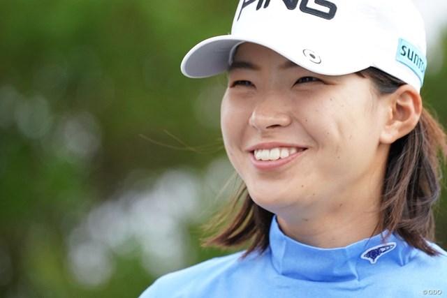 2021年 ダイキンオーキッドレディスゴルフトーナメント 初日 渋野日向子 渋野日向子は交際報道について笑顔で返答