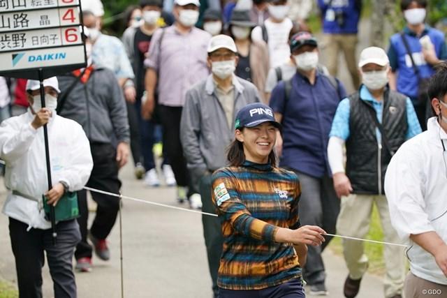 2021年 ダイキンオーキッドレディスゴルフトーナメント 3日目 渋野日向子 久々にギャラリーを引き連れて