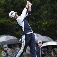 カッパの水滴がすごい 2021年 ダイキンオーキッドレディスゴルフトーナメント 最終日 渋野日向子