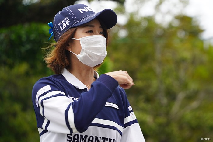 原江里菜プロも持っていたマスクは不織布 2021年 ダイキンオーキッドレディスゴルフトーナメント 3日目 原江里菜