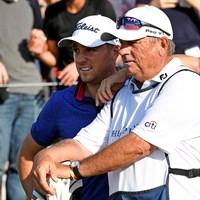 まだまだ血気盛んな27歳をベテランキャディ、ジミー・ジョンソンさんが支える(Stan Badz/PGA TOUR via Getty Images) 2021年 ザ・プレーヤーズ選手権 最終日 ジャスティン・トーマス