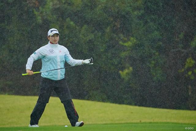 2021年 Tポイント×ENEOSゴルフトーナメント 2日目 小祝さくら それにしても凄い雨だった。