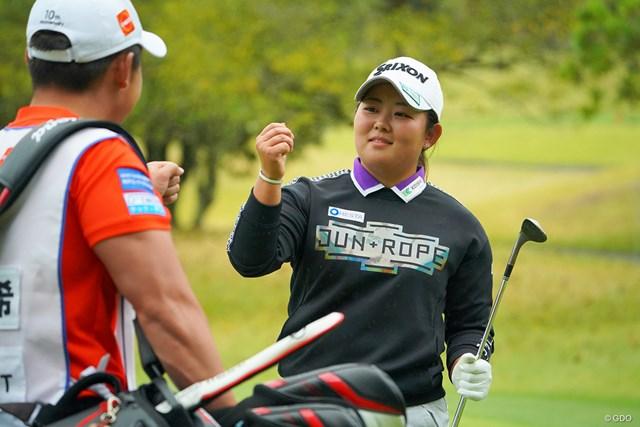 2021年 Tポイント×ENEOSゴルフトーナメント 最終日 浅井咲希 8番、チップインバーディで単独首位に。しかしバックナインは別人に。