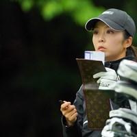 ルイ・ヴィトンのヤーデージブックカバーなんてあるんだ。高そー! 2021年 Tポイント×ENEOSゴルフトーナメント 最終日 菊地絵理香