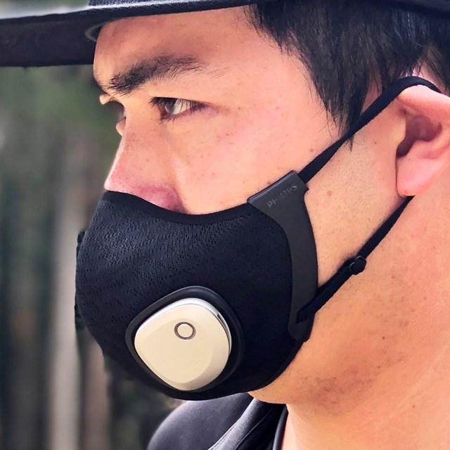 1万円の進化系マスクはゴルフ向き? 18Hプレーで徹底検証 後半は重さに負けてマスクがやや落ち気味の状態に…