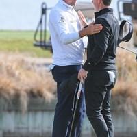 ポ―ルター(左)は初戦でマキロイに大勝 (Ben Jared/PGA TOUR via Getty Images) 2021年 WGCデルテクノロジーズ マッチプレー 初日 イアン・ポールター ロリー・マキロイ