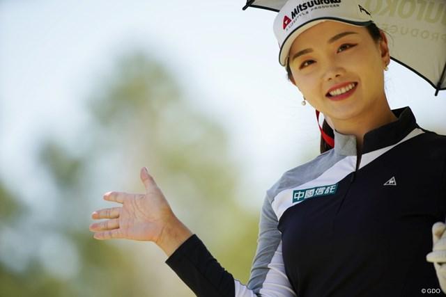 2021年 アクサレディスゴルフトーナメント in MIYAZAKI 初日 セキ・ユーティン 写真撮るまで止まってくれたよ、ありがとう
