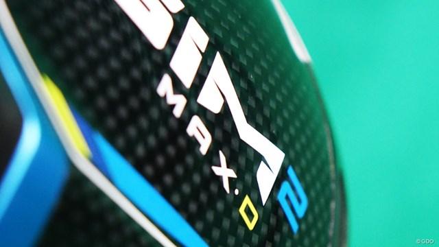 SIM2 MAX-D ドライバーを万振りマンが試打「事故が少ない安心1W」 ソール全域がクラウンと同様に軽量カーボンとなった新構造