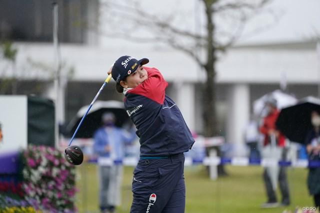 2021年 アクサレディスゴルフトーナメント in MIYAZAKI  最終日 勝みなみ ドライビングディスタンス賞で100万円を獲得した勝みなみ