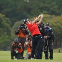 最終18番セカンドショット 2021年 アクサレディスゴルフトーナメント in MIYAZAKI 最終日 岡山絵里