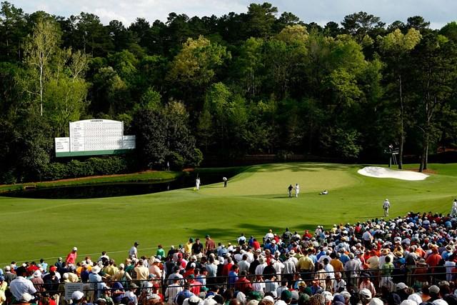 2021年 マスターズ 事前 オーガスタナショナルGC11番 オーガスタナショナルGCの11番。グリーン左手前に池が(Jamie-SquireGetty-Images)