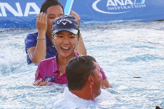 2021年 リディア・コー 18歳でメジャー2勝目をあげたリディア・コー。優勝者恒例のダイブで笑顔(写真は2016年ANAインスピレーション)