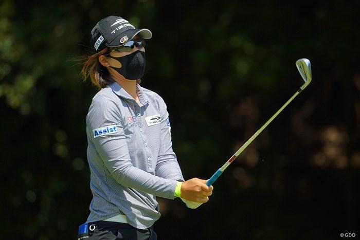 優勝の際はそのマスクとサングラスを外して頂けると助かります。 2021年 ヤマハレディースオープン葛城 3日目 穴井詩