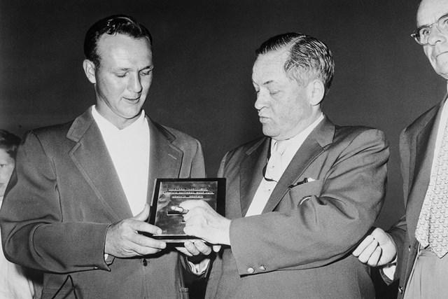 2021年 アーノルド・パーマー 1958年、アーノルド・パーマー(左)が初めてマスターズを制した(Getty Images)