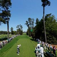 開幕2日前の練習ラウンド。18番でティショットを放つスピース(提供:Augusta National Golf Club) 2021年 マスターズ 事前 ジョーダン・スピース