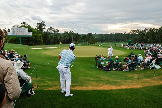 2021年 マスターズ 3日目 松山英樹 アドレナリンの出た最終18番も冷静に寄せてボギーフリーで終えた(提供:Augusta National Golf Club)