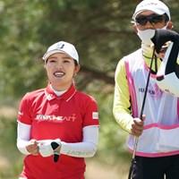 ラウンド中ずーっと笑顔を見せる 2021年 富士フイルム・スタジオアリス女子オープン 最終日 古江彩佳
