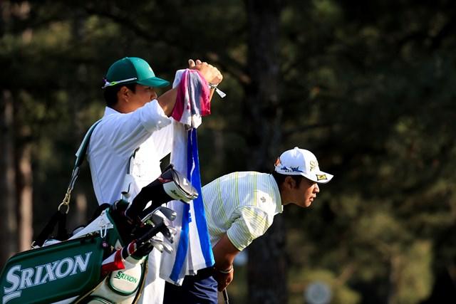 2021年 マスターズ 4日目 松山英樹 15番でセカンドショットの行方を見つめる松山(提供:Augusta National Golf Club)