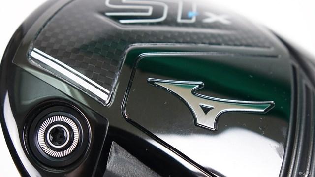 ミズノ ST-X ドライバーを西川みさとが試打「ST-Zとの差が少ない」 ソールのトウ部分に大きなカーボンパーツを配置