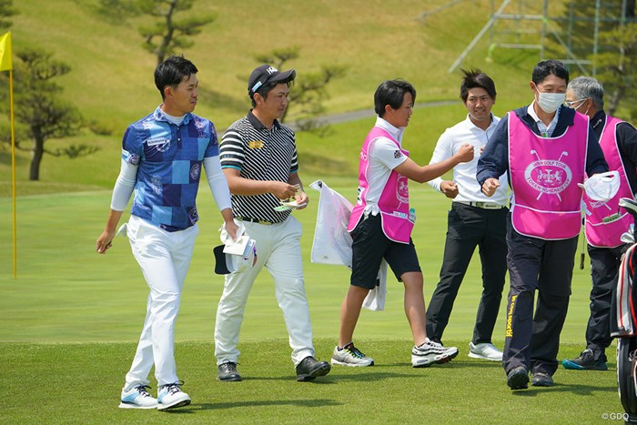 同組の3人で首位争い 2021年 東建ホームメイトカップ 初日 石坂友宏 小林伸太郎 阿久津未来也