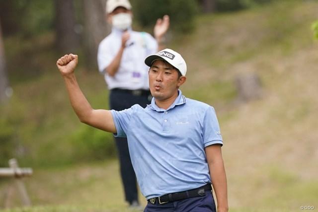 2021年 関西オープンゴルフ選手権競技 2日目 金谷拓実 5番でバーディを奪い、このガッツポーズ