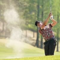 18番セカンドはバンカー 2021年 関西オープンゴルフ選手権競技 3日目 上井邦裕