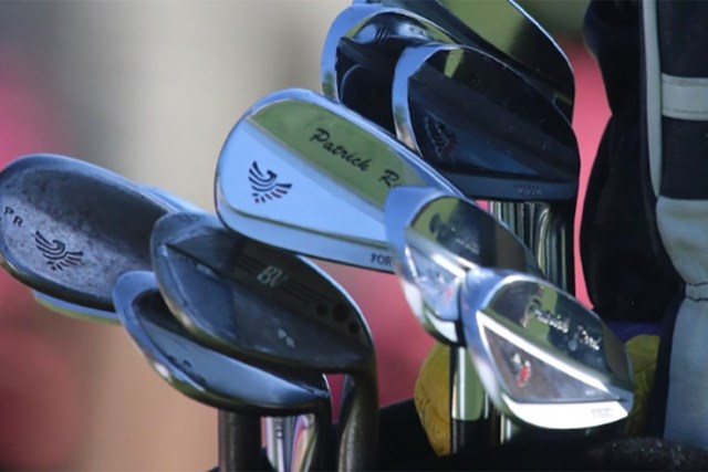 PGAツアーオリジナル パトリック・リード リードの名前入りアイアン(提供:GolfWRX、PGATOUR)