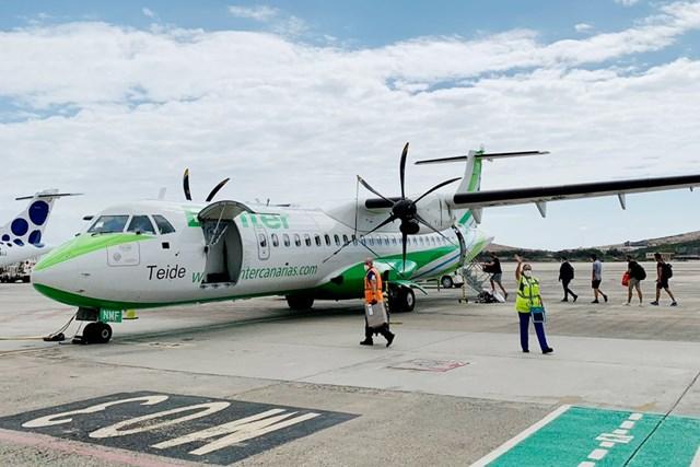 2021年 カナリア諸島選手権 事前 カナリア諸島をつなぐ飛行機 カナリア諸島間の移動は民間機で。小さなプロペラ機でした