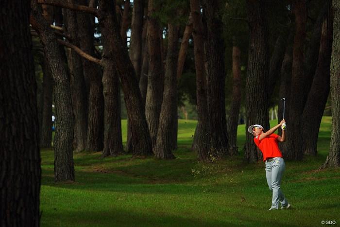 茨城GCの密林も危険地帯がいっぱい。 2021年 ワールドレディスチャンピオンシップサロンパスカップ 2日目 岡山絵里