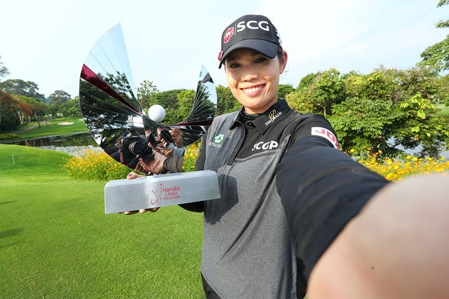 地元タイで大会初制覇を遂げたアリヤ・ジュタヌガン(Thananuwat Srirasant/Getty Images)