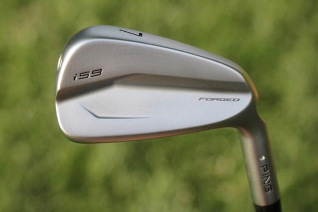 コーリー・コナーズの新しいアイアン(提供:GolfWRX、PGATOUR)