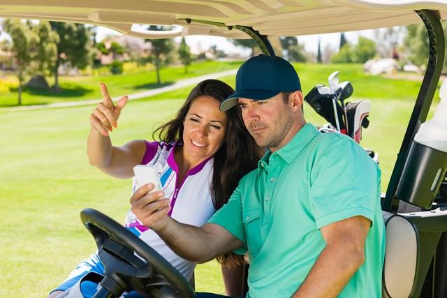 《2021年》軽さが人気のGPS式ゴルフ距離計おすすめ5選 マネジメントを助けてくれるGPS式ゴルフ距離計(GettyImages)