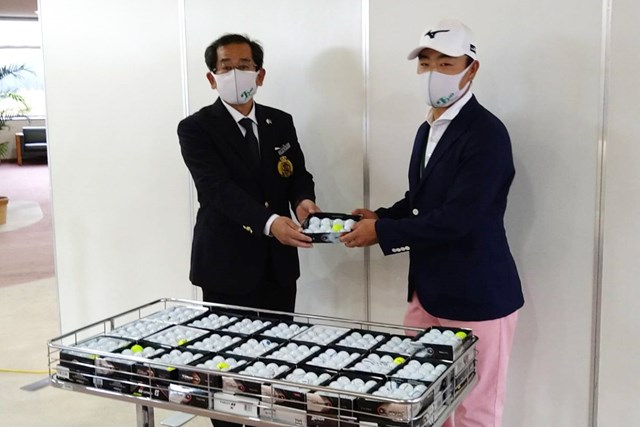 西那須野CCの藤井信也支配人と時松隆光選手会長(提供:柏木一了)