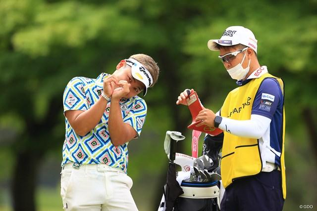 2021年 ゴルフパートナー PRO-AMトーナメント 初日 池村寛世 (キャディさんの声)池村さん、聞いてください、、、